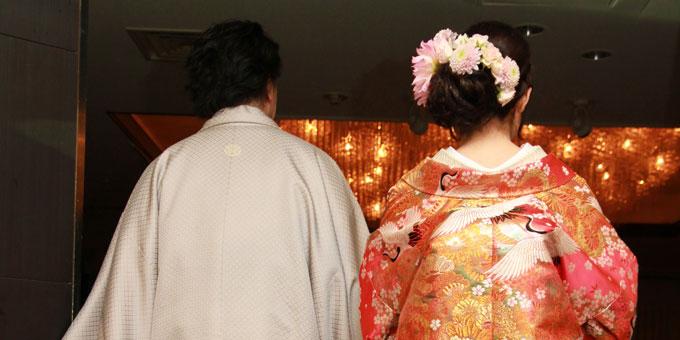 結婚式に贈る電報の例文集(1)