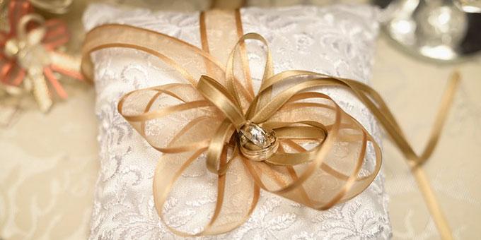 結婚式の余興に使える小道具特集(1)